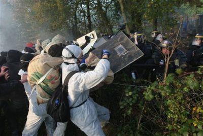 Συγκρούσεις αντι-πυρηνικών ακτιβιστών και αστυνομίας, Γαλλία