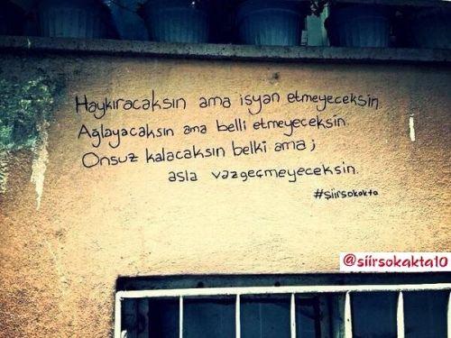 Το κίνημα #siirsokakta στην Τουρκία: Η ποίηση είναι στους ...