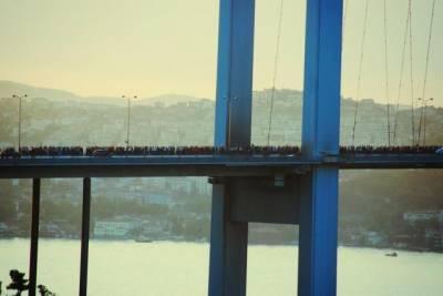 b2ap3_thumbnail_Turkey-istanbul-bridge_zps5d191c4a.jpg