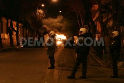 b2ap3_thumbnail_1426639872-rioting-follows-anarchists-demonstration-in-athens_7140128.jpg