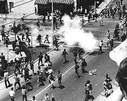 b2ap3_thumbnail_teargas7.jpg